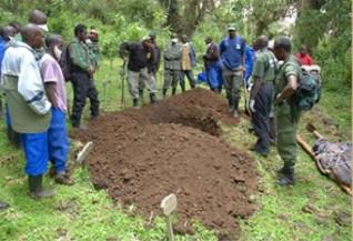 Men digging Titus' grave